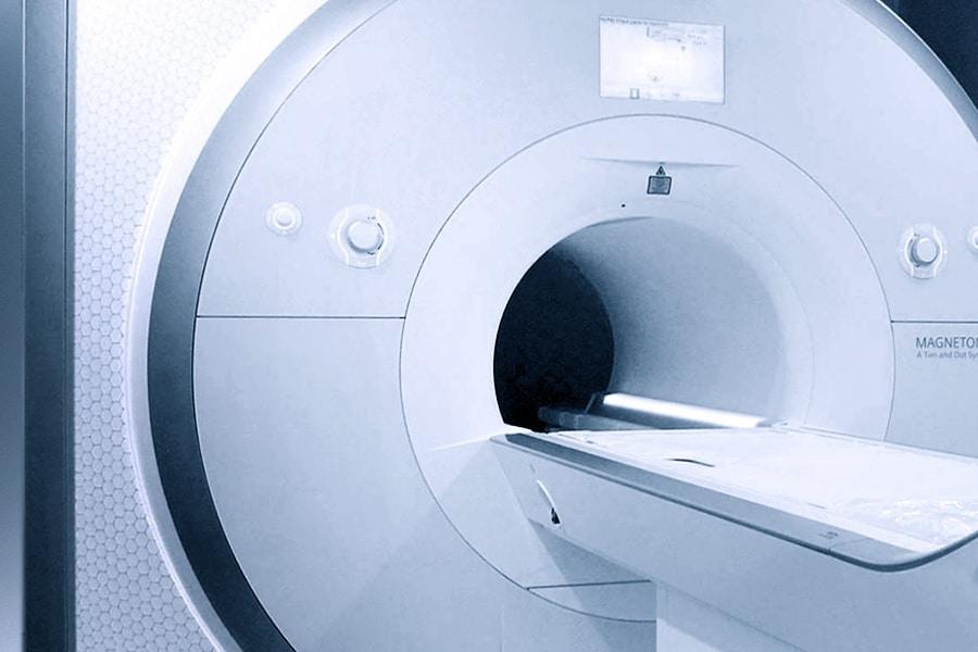 MRT-Untersuchung Kardio-MRT Magnetresonanztomographie Kernspin Röhre