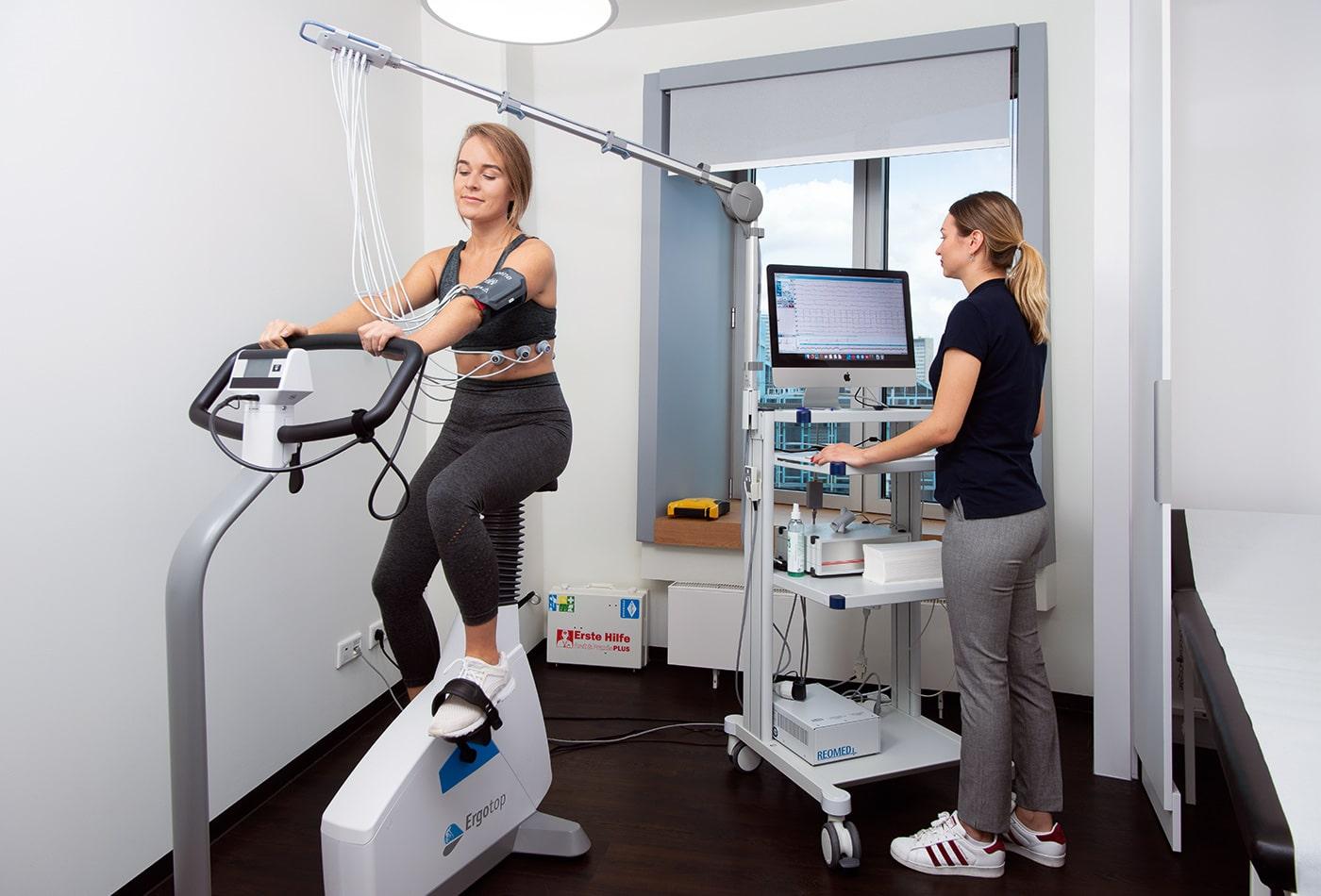 Sportkardiologie Fahrradergometer Sportmedizin Diagnostik EKG